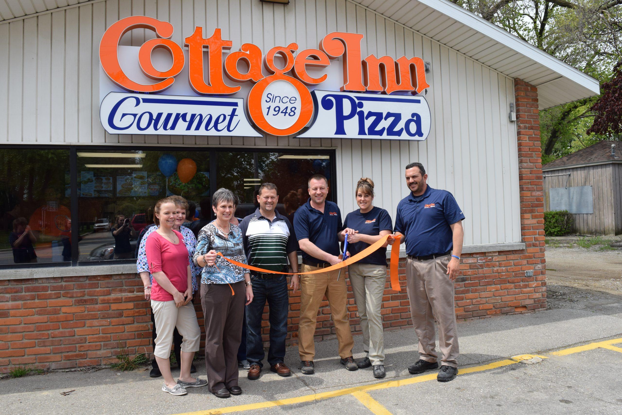 Cottage Inn Pizza PIgeon ribbon cutting